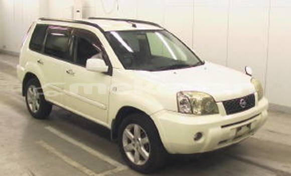 Buy Used Nissan X–Trail White Car in Yerevan in Yerevan