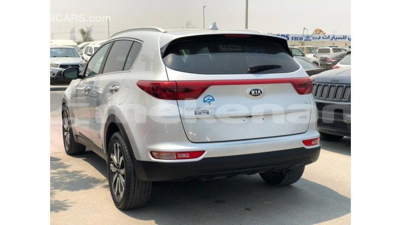 Big with watermark kia sportage aragatsotn import dubai 4002