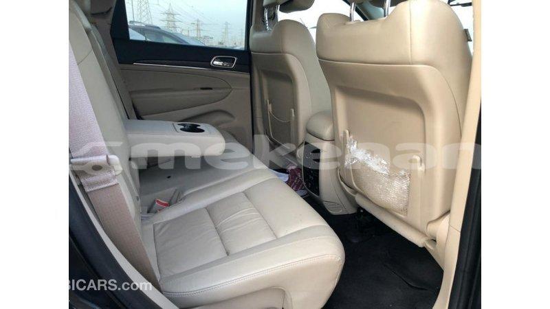 Big with watermark jeep grand cherokee aragatsotn import dubai 4012